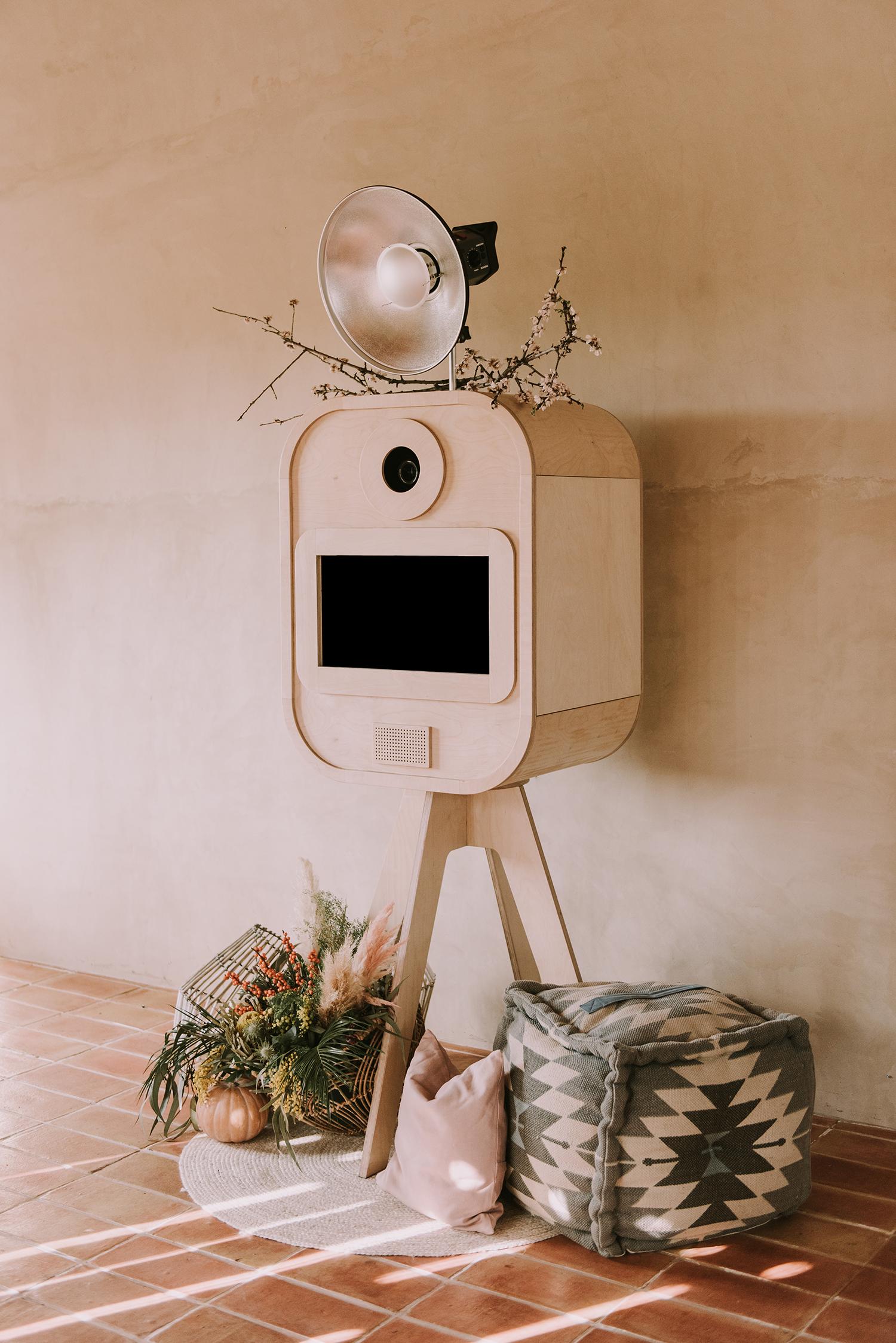 Photobooth and photocall for weddings in Girona.